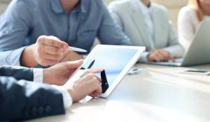 Một số ngành nghề kinh doanh hạn chế nhà đầu tư nước ngoài | Pháp luật Doanh nghiệp